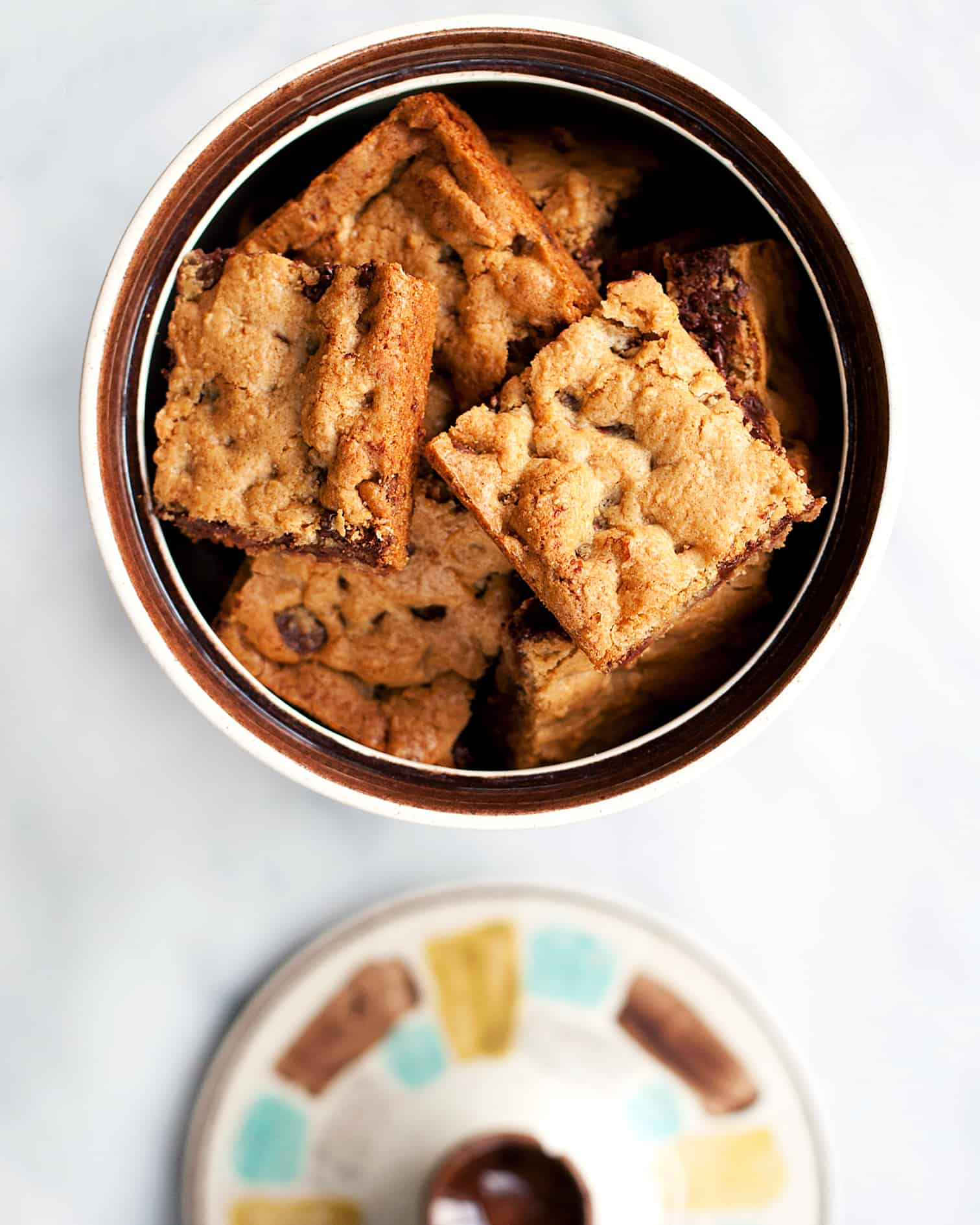 Extra Chewy Chocolate Chip Bars