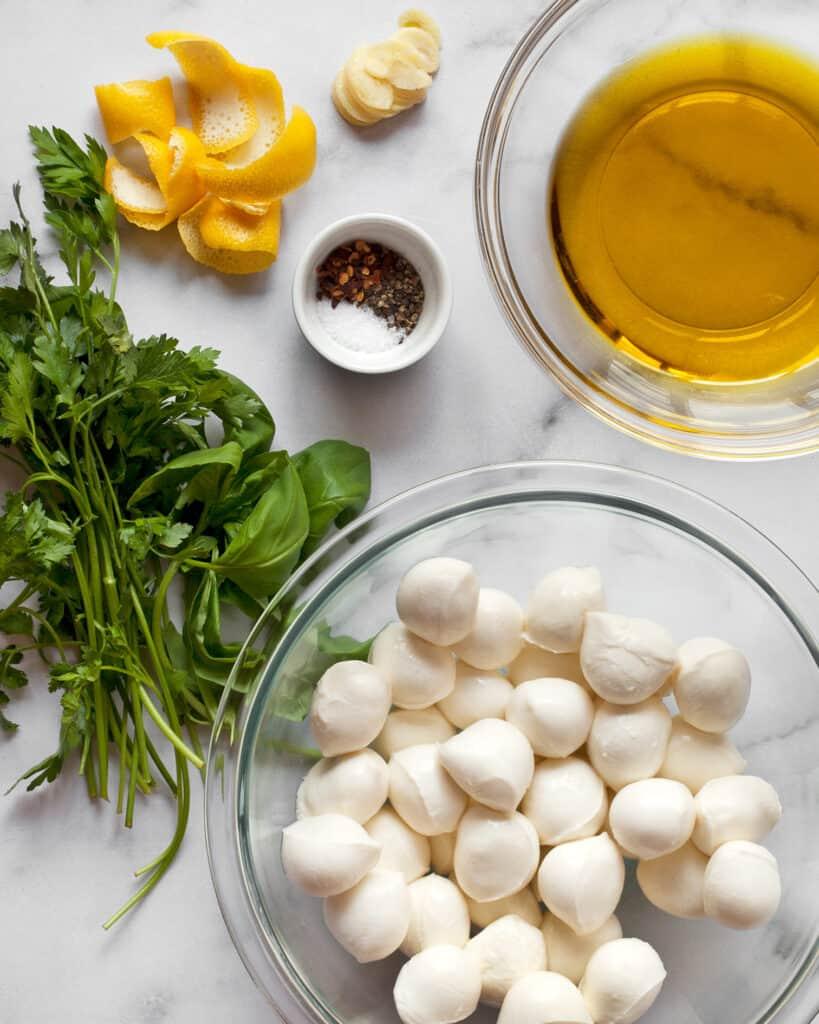 Ingredients for marinated mozzarella