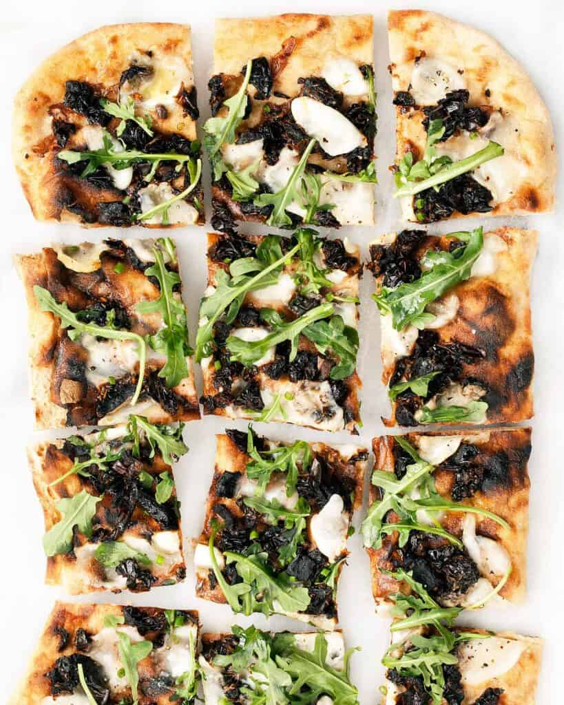 Grilled Sundried Tomato and Arugula Pizza